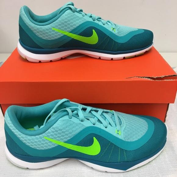 b4923f63cb20f Nike women s flex trainer Sz 6.5